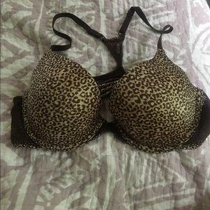 Leopard print bra. 36b. Maidenform. Razorback